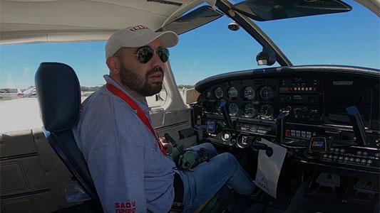 Los protagonistas del Festival Aéreo: Así viven el evento pilotos y paracaidistas