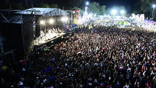 Más de 15 mil personas bailaron con Q' Lokura en el parque de Villa Nueva