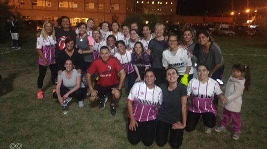 A la cancha con salud: Trabajadoras del Pasteur armaron su torneo de fútbol
