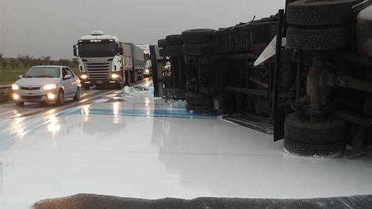 El accidente que pintó a la Autopista de blanco