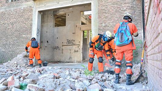 Un sismo en Villa María: el operativo que le dio chapa mundial a nuestros bomberos