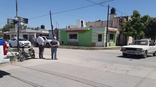 Taunus chocó en barrio Belgrano con una moto: hay un herido grave