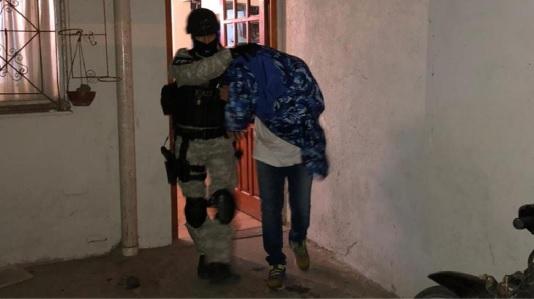 Padre e hijo detenidos por vender droga en Villa Nueva