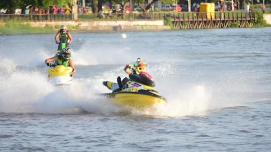 Anticipo de la tercera fecha del campeonato argentino de motos de agua y jet ski