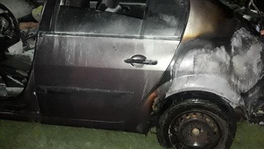 Se incendió un Megane cerca de Tío Pujio: iban 4 personas a bordo