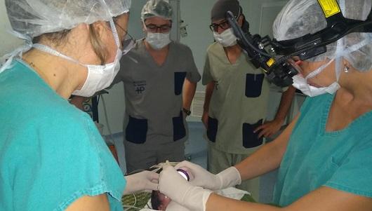 Beba prematura salvó su vista gracias a los controles a tiempo y operación inédita