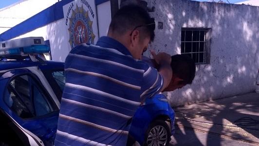 Costanera: Agredió a una mujer y se peleó con policías al querer escapar