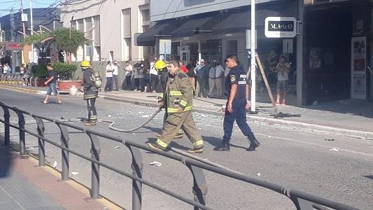 Explotó el sótano de joyería en Bell Ville: una empleada quemada