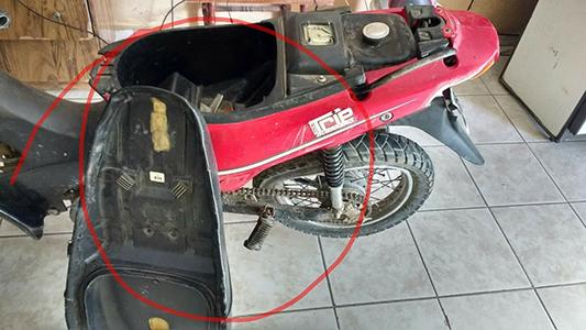 Un camión le aplastó la moto en octubre y todavía espera que le paguen los arreglos