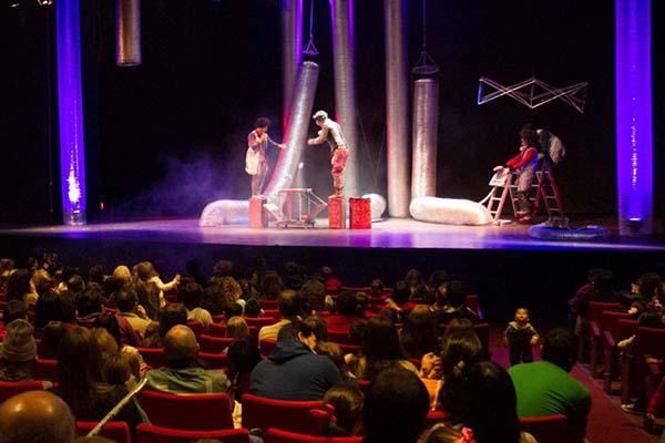 """Teatristas repudian créditos lanzados por la Provincia: """"nos llevan al endeudamiento"""""""