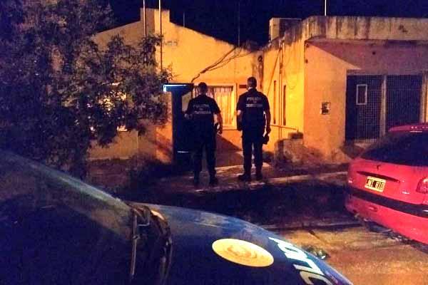 La Policia detuvo una reunión con 70 personas.