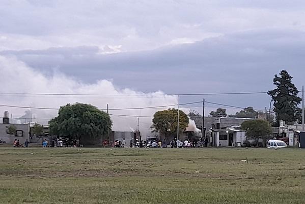 Incendio en una vivienda de barrio Felipe Botta